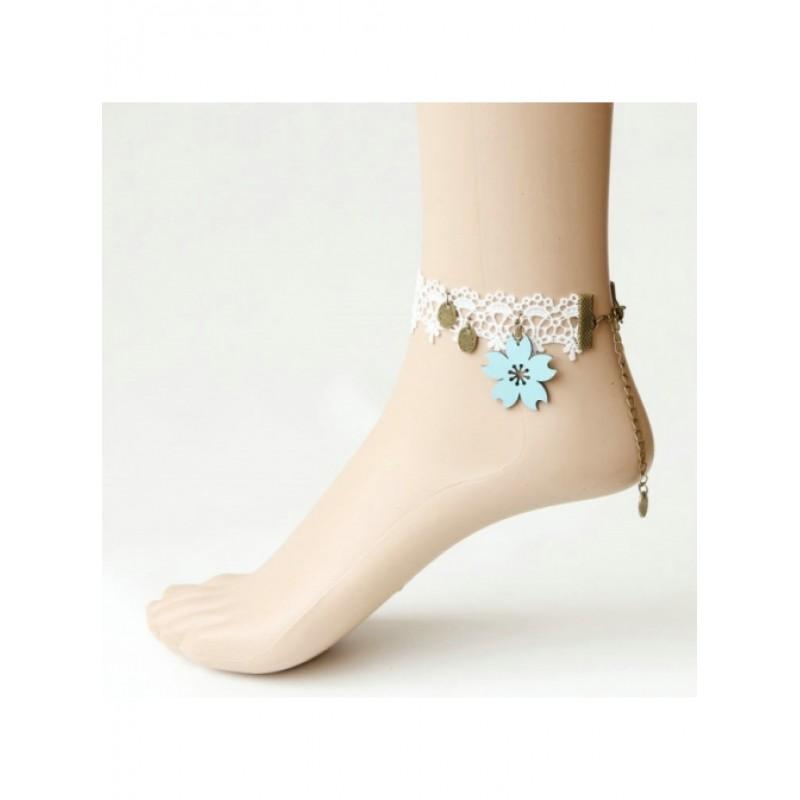 Elegant White Lace G...
